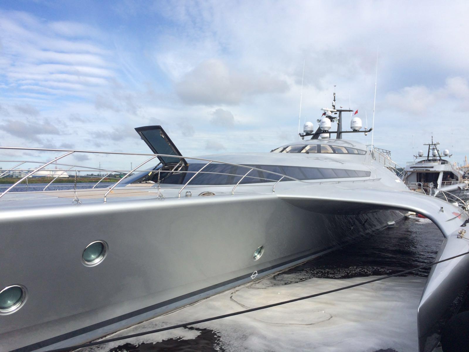 Automazioni Speciali - Grandi aperture - Mono yacht Galaxy of Happiness Latitude Yachts - Esterni